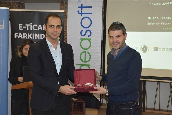 IdeaSoft satış direktörü Taner Ören, Düzce İl Genç Girişimciler Kurulu Başkanı Cemal Aksan
