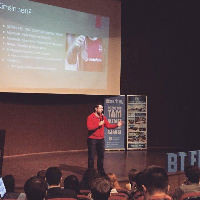 Microsoft MVP Daron Yöndem BTFEST'15 konferansında. #BTFEST15