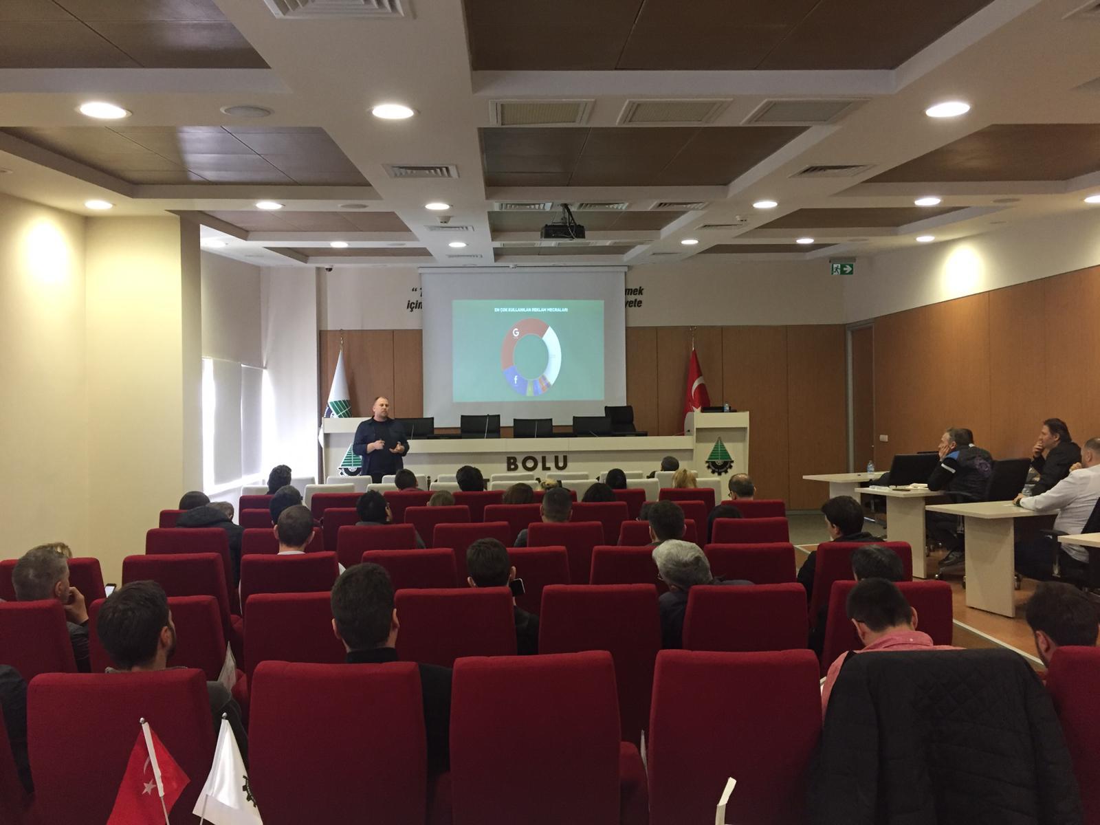 Görkem Özdemir, Bolu Ticaret ve Sanayi Odası'nda IdeaSoft hakkında bilgilendirmelerde bulundu.